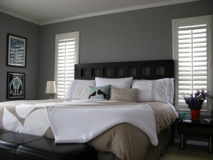 Grey_Bedroom_Idea_1318856210